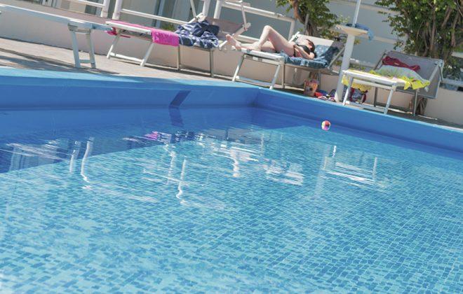 piscina-10-alta-def-2000L