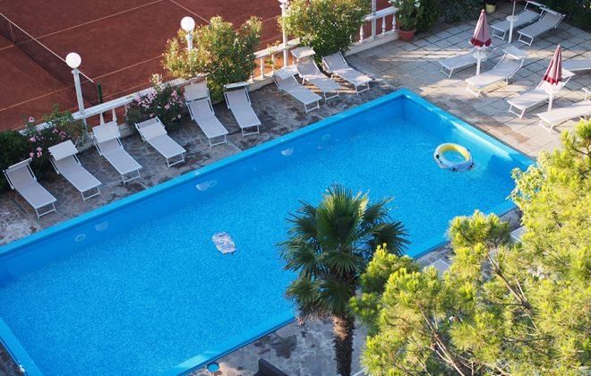 piscina-tennis-alta-def-l-2000