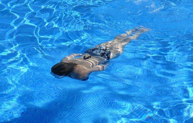 swim-422546_1920
